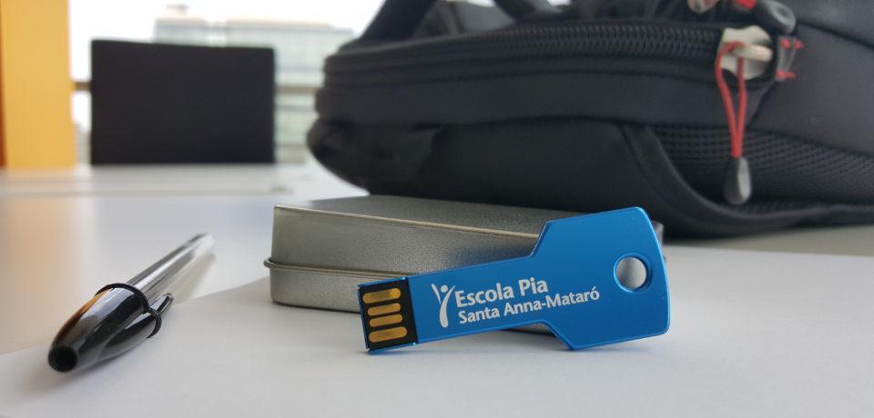 USB personalizados para colegios: por qué triunfan