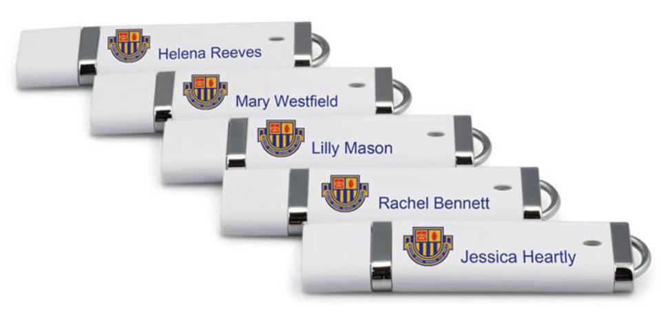 Las memorias USB personalizadas con nombre de empleados y clientes es lo que tu empresa necesita