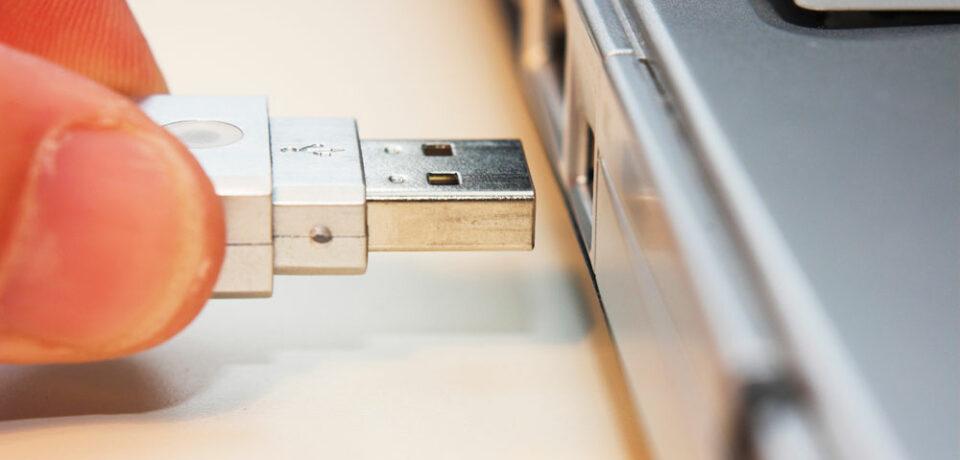 Mitos de los USBs: ¿es necesario expulsar el pendrive antes de desconectarlo?