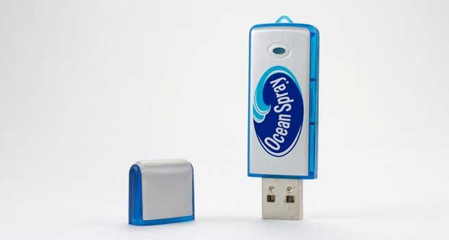usb con logo megabyte