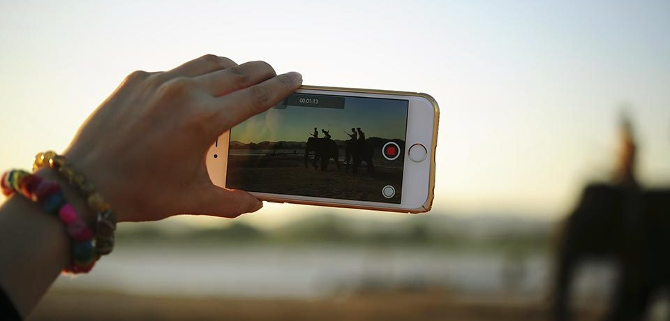 Alargar la batería del móvil en verano